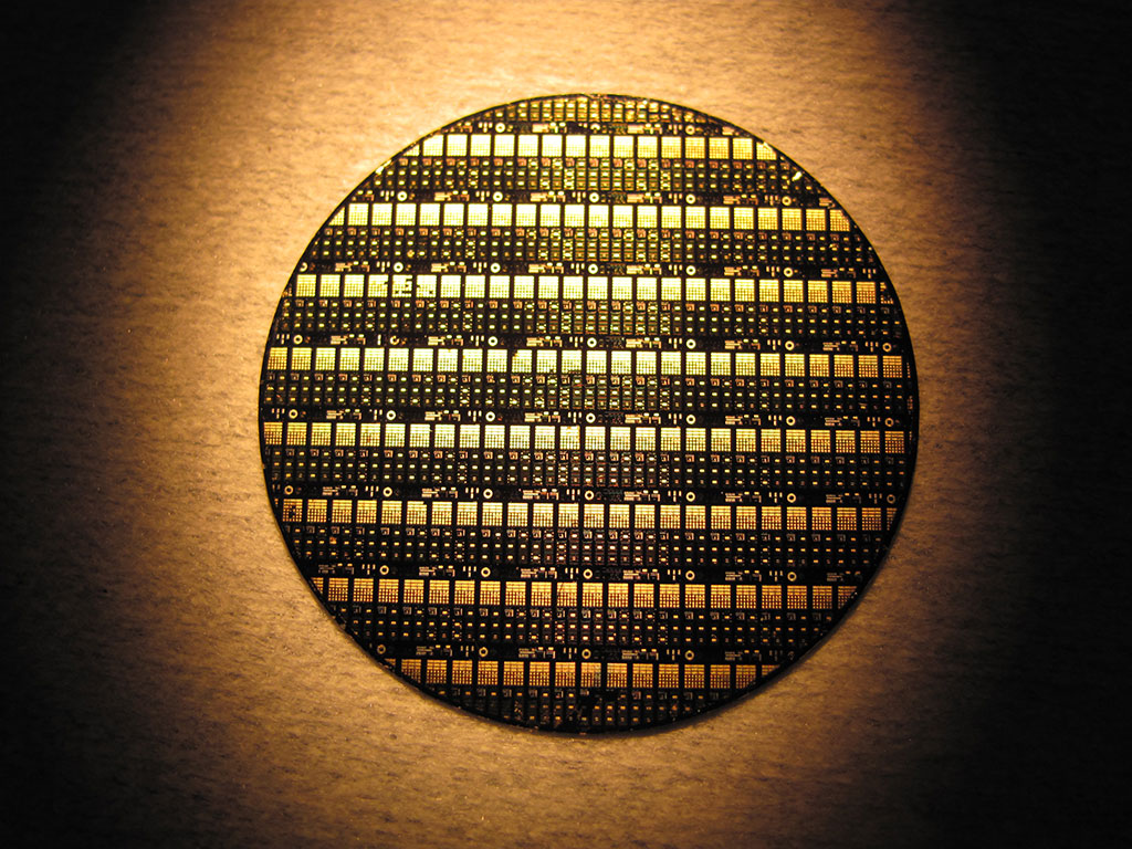 A wafer of GaN-on-Diamond RF devices